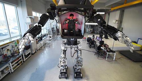 韓國研發全球載人雙足機器人