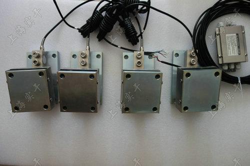 接线盒中并可根据各种称重传感器模块受载情况调节角