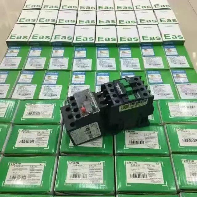 下图为气敏元件的简单测试电路(组成传感器),电压表指针变化越大,灵敏